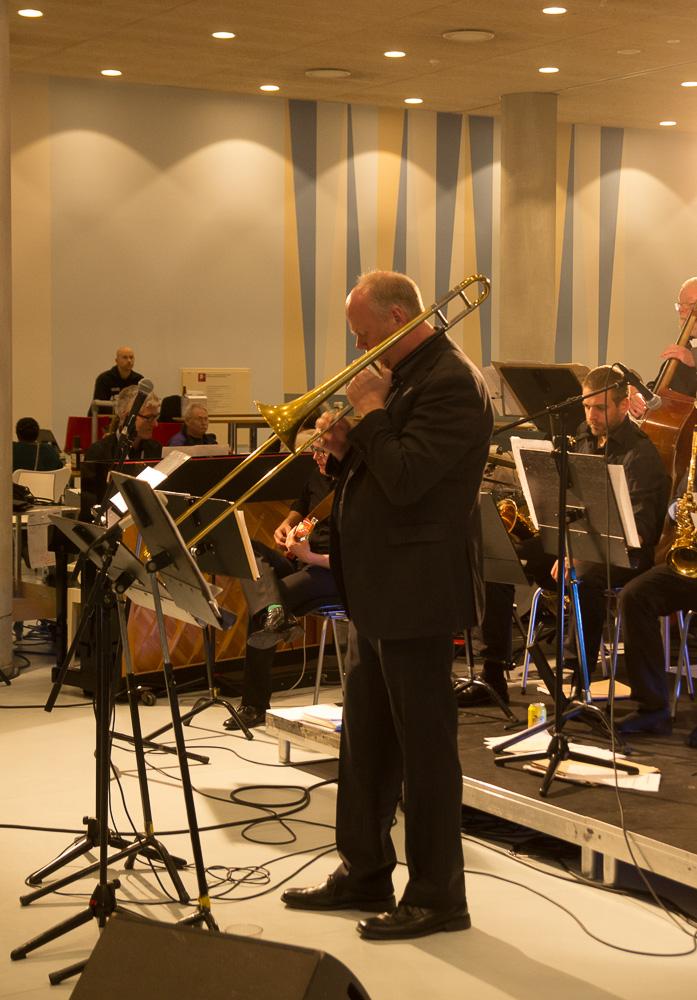 Rolf Mandix spiller solo